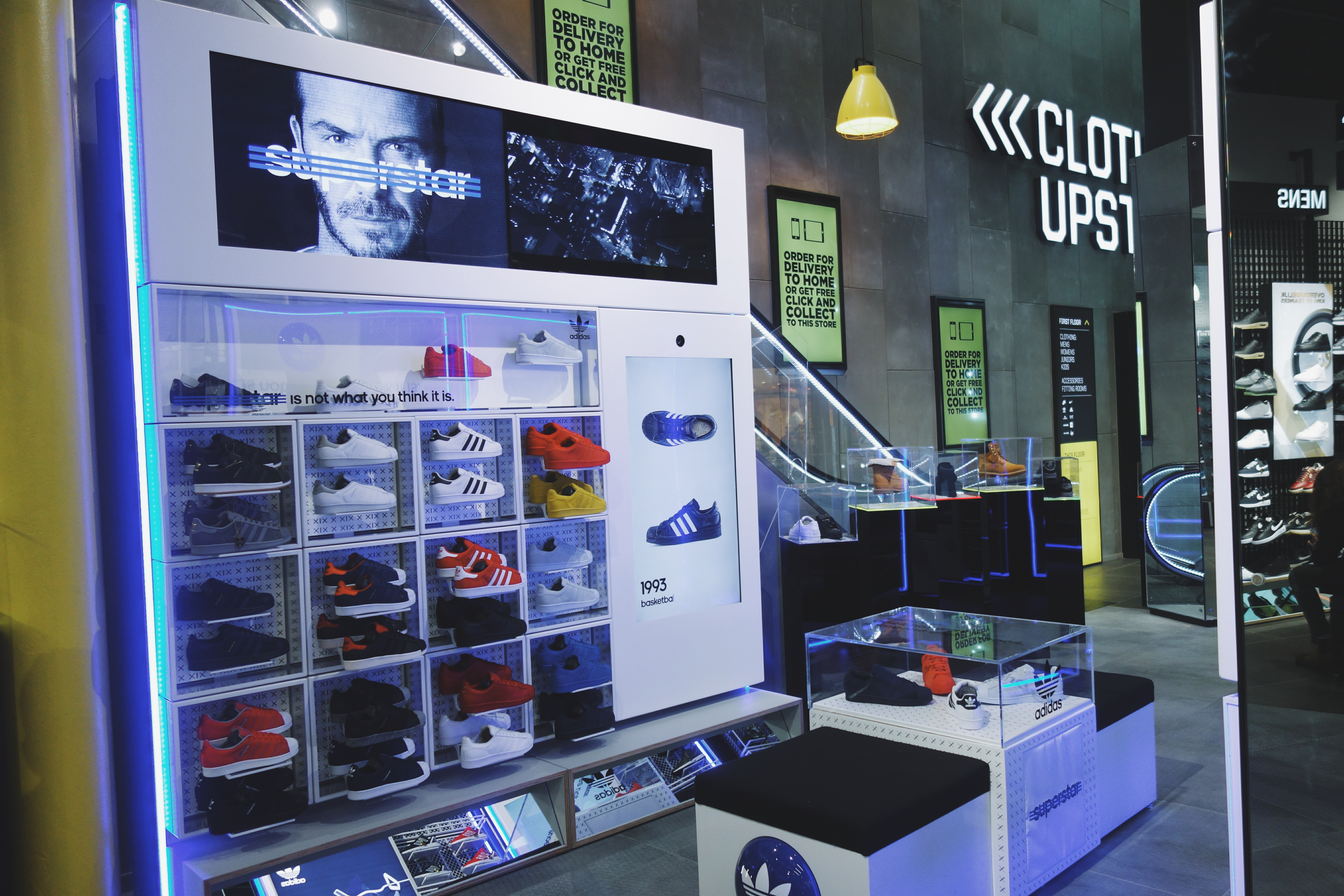 901f3b53b80 Christmas is just around the corner and therfore I was invited by Made by  PR to visit the JD sports flagship store in Amsterdam that opened her doors  on ...