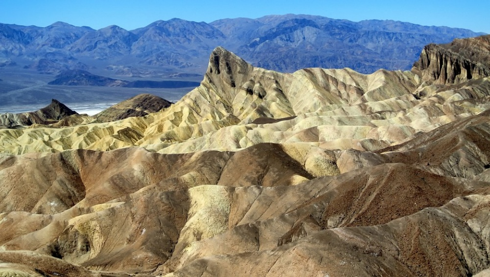 1332755-1000-1460716167-death-valley