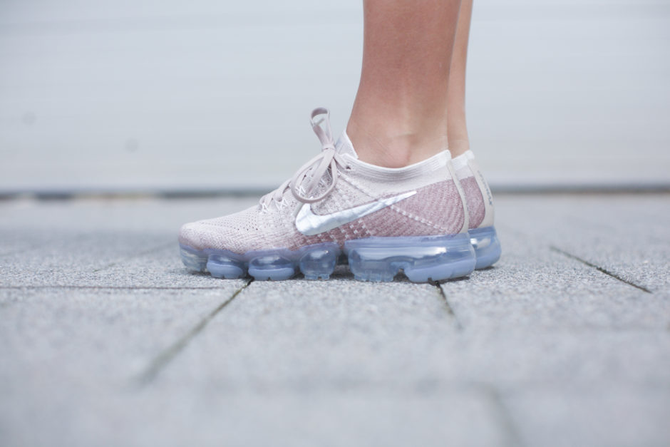 """I'm currently addicted to the latest sneaker trend in the womens trainers  section, The well known Nike Air """"VaporMax"""" available at JD Sports."""