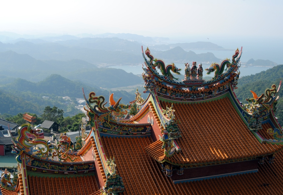 Jiufen-View-of-Sea-from-Temple